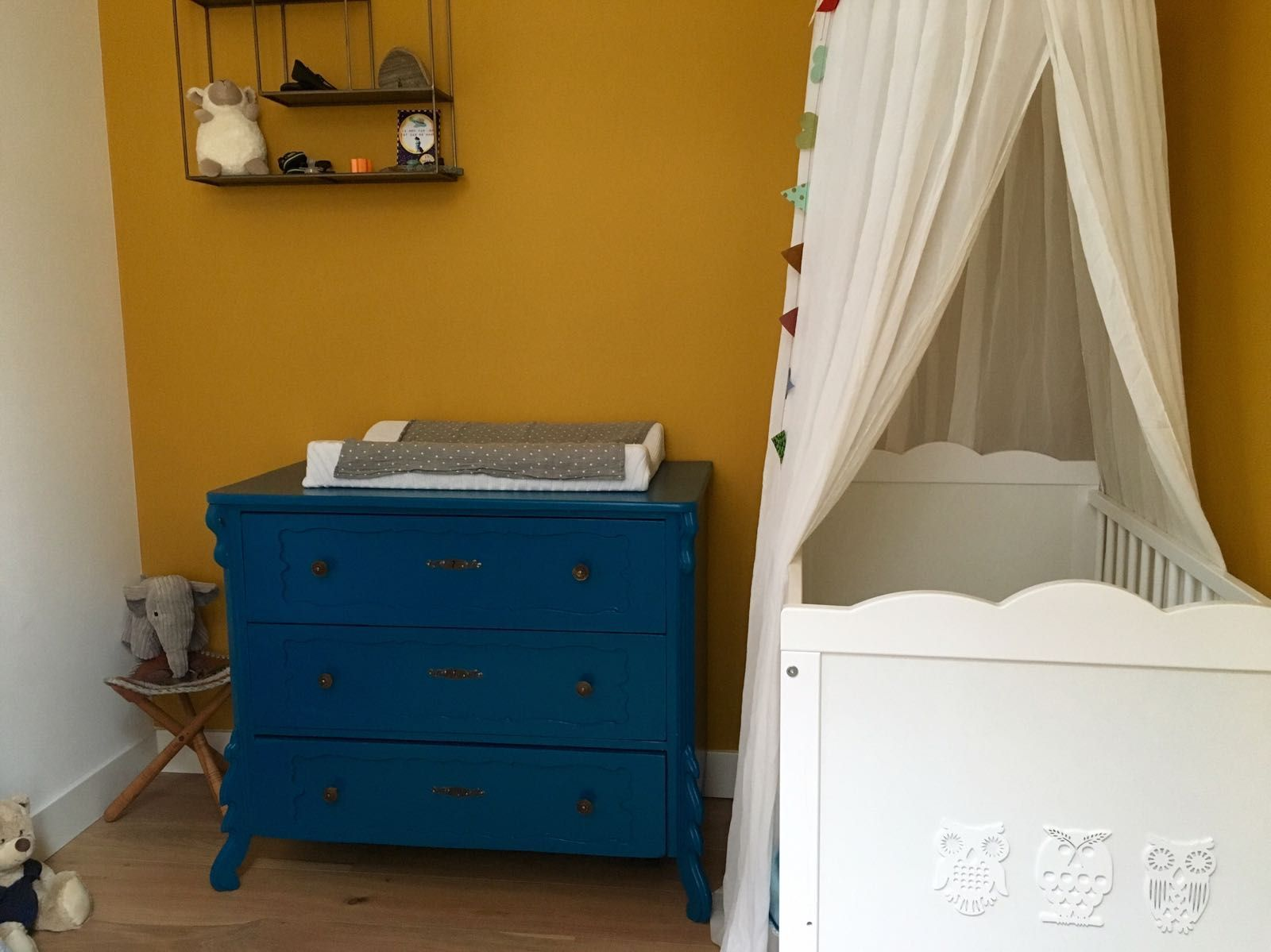 Brocante commode oude ladekast